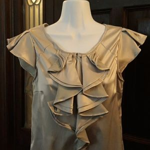 SILVER SCOOP RUFFLE FRONT TOP